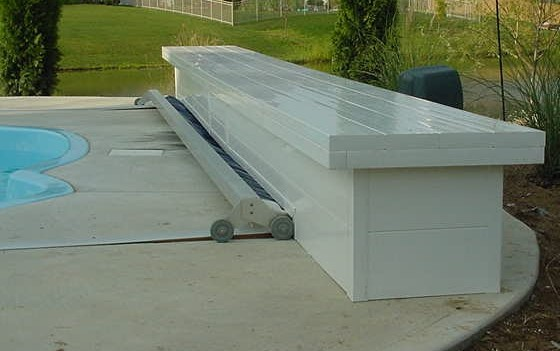 Swimming Pool Electrician : Automatic pool covers